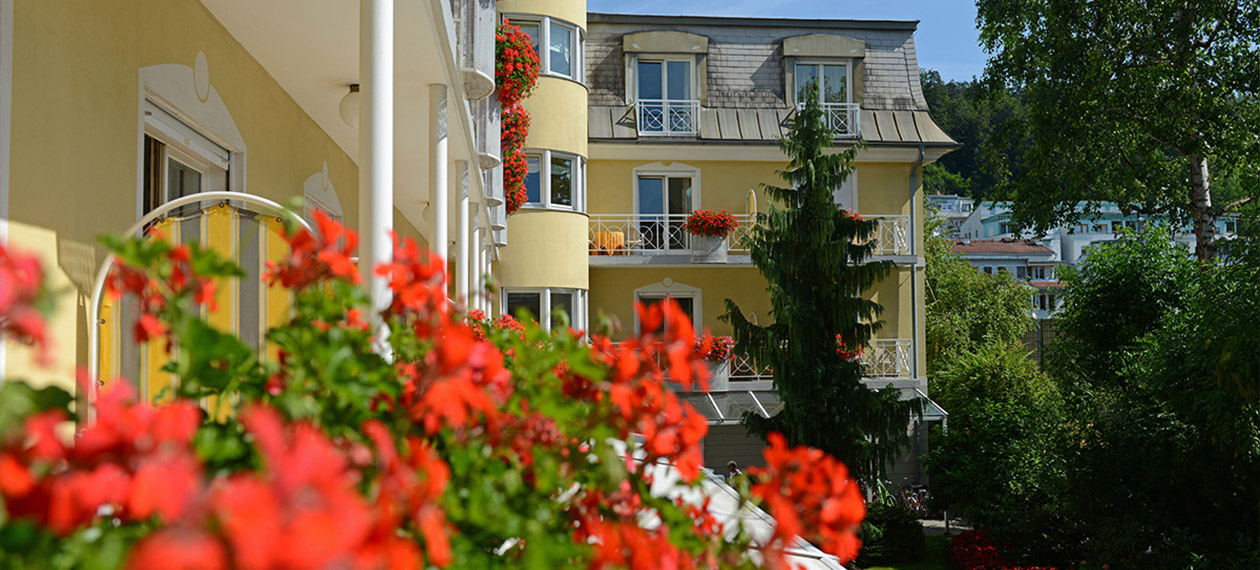 HOTEL DERMUTH, Rooms & Floor plans, Double room, Single room, Balcony, Platane, Garden, Facilities, Furniture, Free time